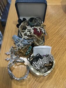 Assorted box of jewellery, Murano glass rings, brooches, bracelets, watch