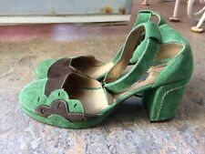 Vtg GIRL brand suede sandals pump platform heels womens shoes