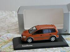 MINICHAMPS VW CROSS TOURAN ROT DEALER-VERSION NEW DIE-CAST 1:43  NEW