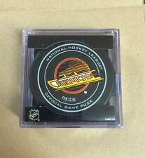 VANCOUVER CANUCKS NHL OFFICIAL SKATE GAME PUCK 2/13/16 LEAFS - NEW