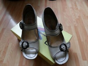 Fly London LENNY offwhite sandals wedges size 7 leather