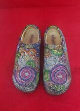 Alegria Women's Kayla Bullseye Rainbow Swirls Nursing Clogs Comfort Shoes 11.5