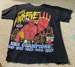 "Vintage Chicago Bulls 1997 Championship ""High Five"" T-shirt Sz L Michael Jordan"