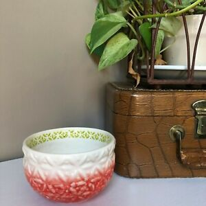 ANTHROPOLOGIE Red Green Cream Homegrown Textured Cereal Salad Bowl Christmas