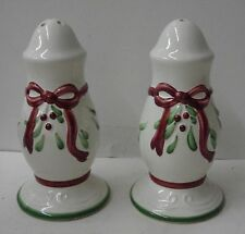 Nikko HOLLY WREATH Salt & Pepper Set HOLDAY HEARTH COLLECTION