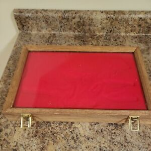 Oak Wood Display Case  12 x 18 x 2 for Arrowheads Knifes Collectibles USED