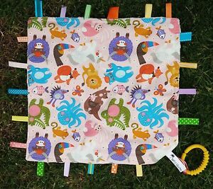 Tag blanket comical animals multicoloured - cream dimple minky matching quilt