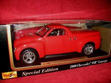 MAISTO 2000 CHEVROLET SSR CONCEPT RED 1:18 SPECIAL EDITION OPENING HOOD & DOORS