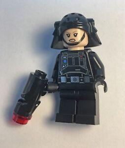LEGO Star Wars - Imperial Emigration Officer Minifigure + stud gun from 75207