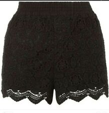 Holiday crochet scalloped edge shorts by New Look 10