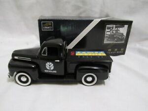 1948 Ford F-1 Pickup BANK w key 1/25 Scale w Box Given by NEW HOLLAND 1997 NOS