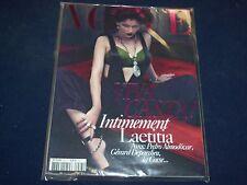 2009 DEC/2010 JAN VOGUE PARIS MAGAZINE - LAETITIA CASTA- FRENCH FASHION - O 5407