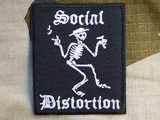 ECUSSON PATCH toppa aufnaher THERMOCOLLANT SOCIAL DISTORTION musique / 6.2x7.5cm