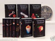 """FIVE DOLLS HOUSE miniatura LIBRI """"Vampire Diaries"""" (1-7) fatti a mano 1:12 TH scala"""
