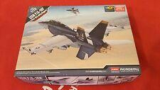 "Academy-USN F/A-18 ""VFA-103 JOLLY ROGERS"" -1:72, 12535 modalità di aerei militari"
