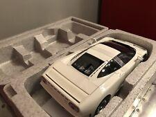 AUTOart 70978 BUGATTI EB110 GT 1/18 MODEL CAR WHITE