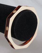 Superbe bracelet vintage en lucite sculpté décoré 1970 - Made in France