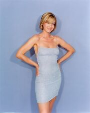 JENNA ELFMAN 8X10 GLOSSY PHOTO PICTURE