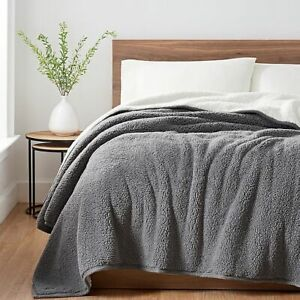 UGG Classic Sherpa Reversible Blanket/ Large Throw White & Grey Twin 68x90 $140