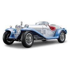 Coche deportivo de automodelismo y aeromodelismo color principal azul de escala 1:18