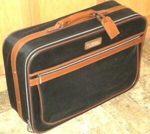 "PreOwned Vintage 1980s 24"" Jordache Black & Tan Suitcase 1 Broken Zipper Pull"