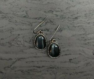 Black Dangley Earrings (Blk133)
