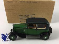 Véhicules miniatures verts en résine pour Citroën