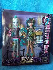 Monster High  Lagoona Blue & Cleo De Nile  Toys R Us Gift Set