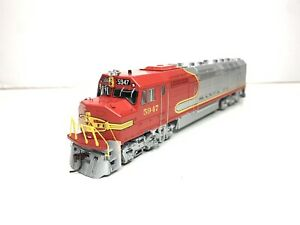 Athearn Genesis HO Scale Model Trains FP45 Santa Fe Diesel Engine DCC Sound 5947