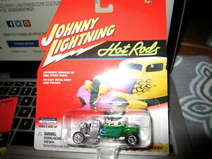 2001 JOHNNY LIGHTNING 'HOT RODS' 1923 FORD T- BUCKET ROADSTER IN PACKAGE