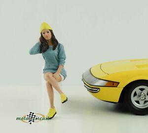 Figurine Car Meet 1 Gathering Cool Girl Sitting 1:18 American Diorama No III