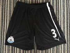 Newcastle United Match Worn Home Shorts Davide Santon 3