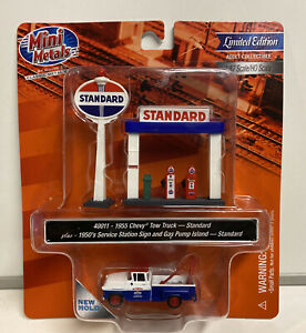 Mini Metals HO Scale Standard 1955 Chevy Tow Truck With Gas Pumps & Sign #40011
