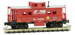 Micro-Trains MTL Z-Scale Center Cupola Caboose Norfolk Southern/NS Red #555006