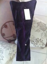 NWT Lululemon Purple and Black Floral BBZV/DPZ/WIOR Yeah Yoga Crop Size 8