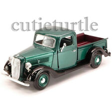 Motormax 1937 Ford Pick Up Truck 1:24 Diecast Model Car 74233D Green