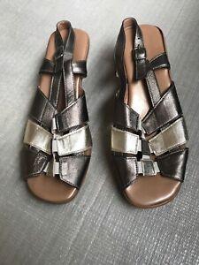 Ladies Shoes Size 40