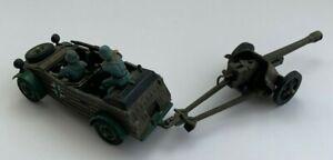 Britains WWII German Kubelwagen & Field Gun