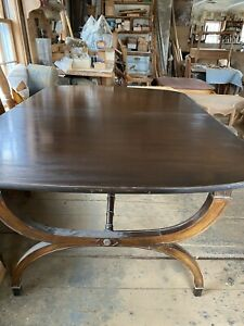 Duncan Phyfe antique mahogany dining table with 2 leaves