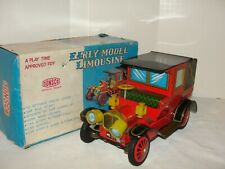 VIntage Battery Operated Early Model Limousine Car in the Box