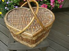 3589) Vntg Heart Shaped Rattan Picnic Basket Handles Hinged Lid Red Check Lined