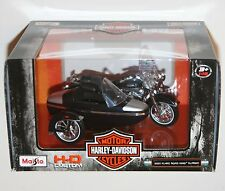 Maisto - Harley Davidson 2001 FLHRC ROAD KING CLASSIC + SIDECAR Model Scale 1:18