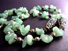 Vintage Necklace Choker Stones Jade Color Silver Tone Beads (B5-4)