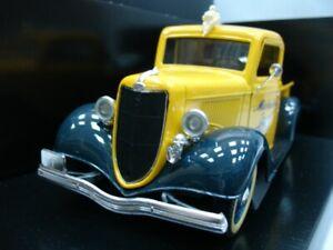 ULTRA RARE Ford Model 40 V8 Michelin Tow Truck 1934 Yellow 1:18 Solido-Auto Art