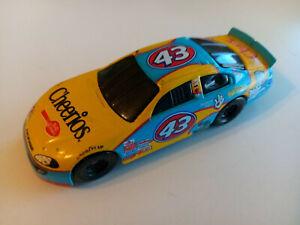 PETTY ENTERPRISES 2003 RICHARD PETTY #43 CHEERIOS CHEX NASCAR - 1/64
