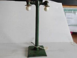Vintage prewar Original American Flyer AF 233 Dual  Lamp Posts, tested (F47-1)