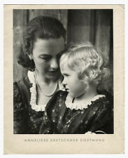 1942  Brochure 4 Tipped-in Photographic Portraits Anneliese Kretschmer Dortmund