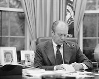 PRESIDENT FORD SMOKING AT DESK IN OVAL OFFICE 8x10 SILVER HALIDE PHOTO PRINT