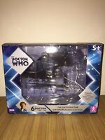 DR WHO SIXTH DOCTOR & DALEK TWIN PACK SET EXCLUSIVE TO TOYS R US BOX