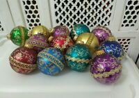 LOT OF 12 HAND DECORATED GLASS CHRISTMAS ORNAMENTS BALLS